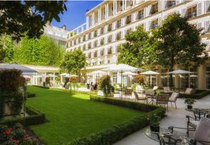巴黎和法國里維埃拉8日浪漫之旅第1-3天:巴黎巴黎勒布里斯托酒店 www.yisecj.live