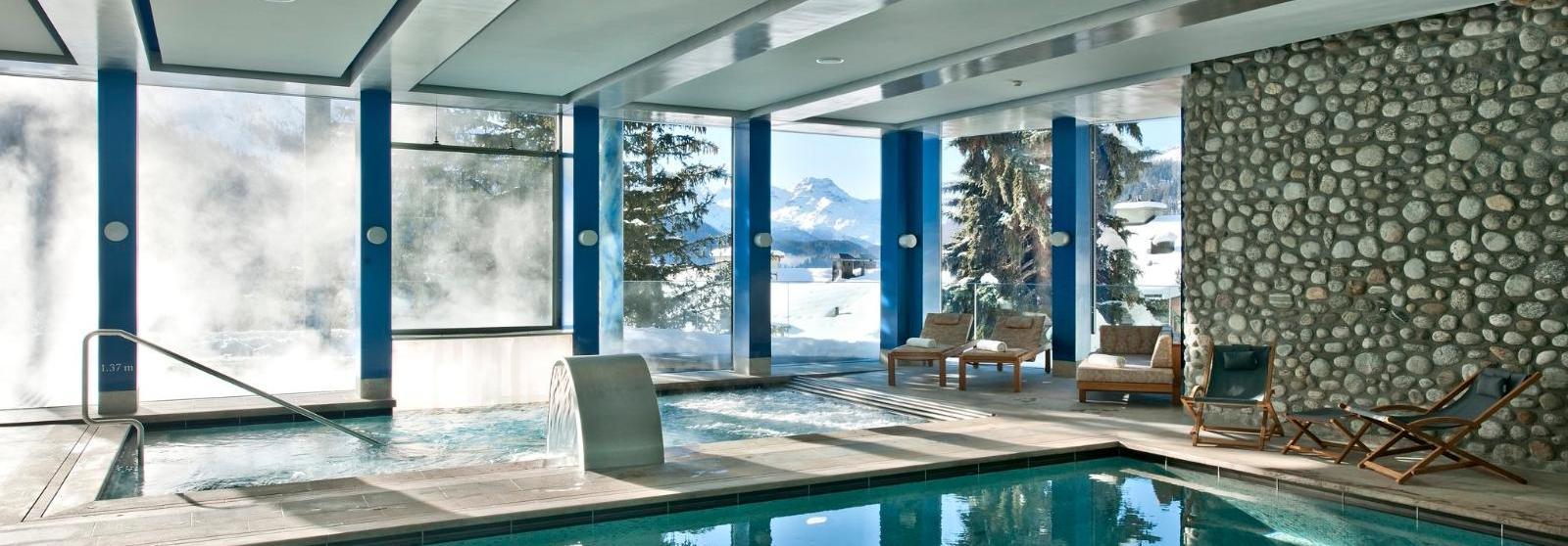 圣莫里茨卡尔顿酒店(Carlton Hotel St. Moritz) 水疗中心泳池图片  www.lhw.cn