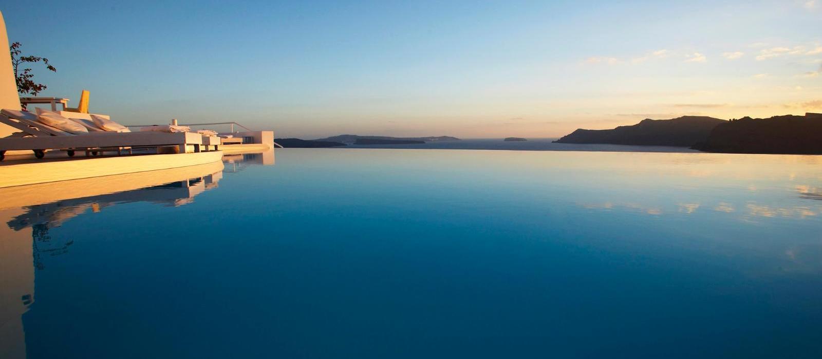 圣托里尼嘉邸祺度假酒店(Katikies Santorini) 泳池日落景观图片  www.lhw.cn