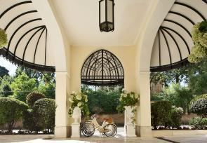 经典意大利之旅:威尼斯、佛罗伦萨、罗马第1-2天:历史悠久的罗马卓范迪别墅酒店 www.lhw.cn