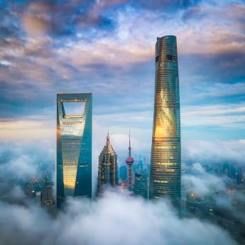 J 酒店上海中心{J Hotel Shanghai Tower) www.lhw.cn
