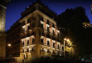 经典意大利之旅:威尼斯、佛罗伦萨、罗马第1-2天:历史悠久的罗马巴廖尼女王饭店 www.lhw.cn