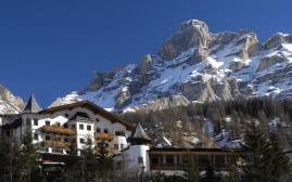 阿尔宾纳罗莎酒店(Hotel Rosa Alpina)  www.lhw.cn
