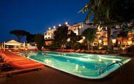 卡普里皇宫酒店(Capri Palace)  www.lhw.cn