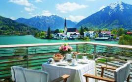 阿尔特霍夫厄贝法赫特湖景酒店(Althoff Seehotel Ueberfahrt)  www.lhw.cn