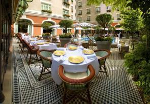 巴黎和法国里维埃拉8日浪漫之旅第1-3天:巴黎巴黎莱福士皇家梦索酒店 www.lhw.cn