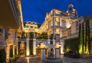 巴黎和法国里维埃拉8日浪漫之旅增选行程:摩纳哥蒙特卡洛大都会酒店 www.lhw.cn