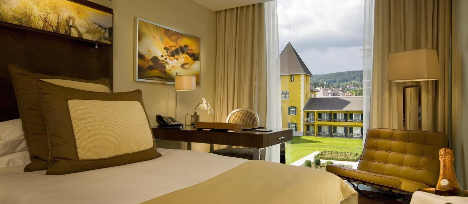 韦尔登弗肯斯坦纳城堡酒店(Falkensteiner Schlosshotel Velden) 标准客房图片  www.lhw.cn