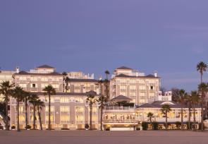 加州海岸一号公路自驾之旅第1-2天:洛杉矶遐丹思海滩精品酒店 www.lhw.cn