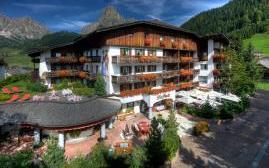 拉佩拉酒店(Hotel La Perla)  www.lhw.cn