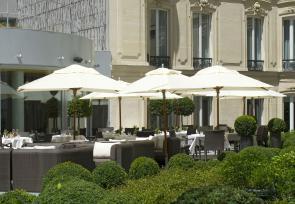 巴黎和法国里维埃拉8日浪漫之旅第1-3天:巴黎巴里耶尔富凯酒店 www.lhw.cn