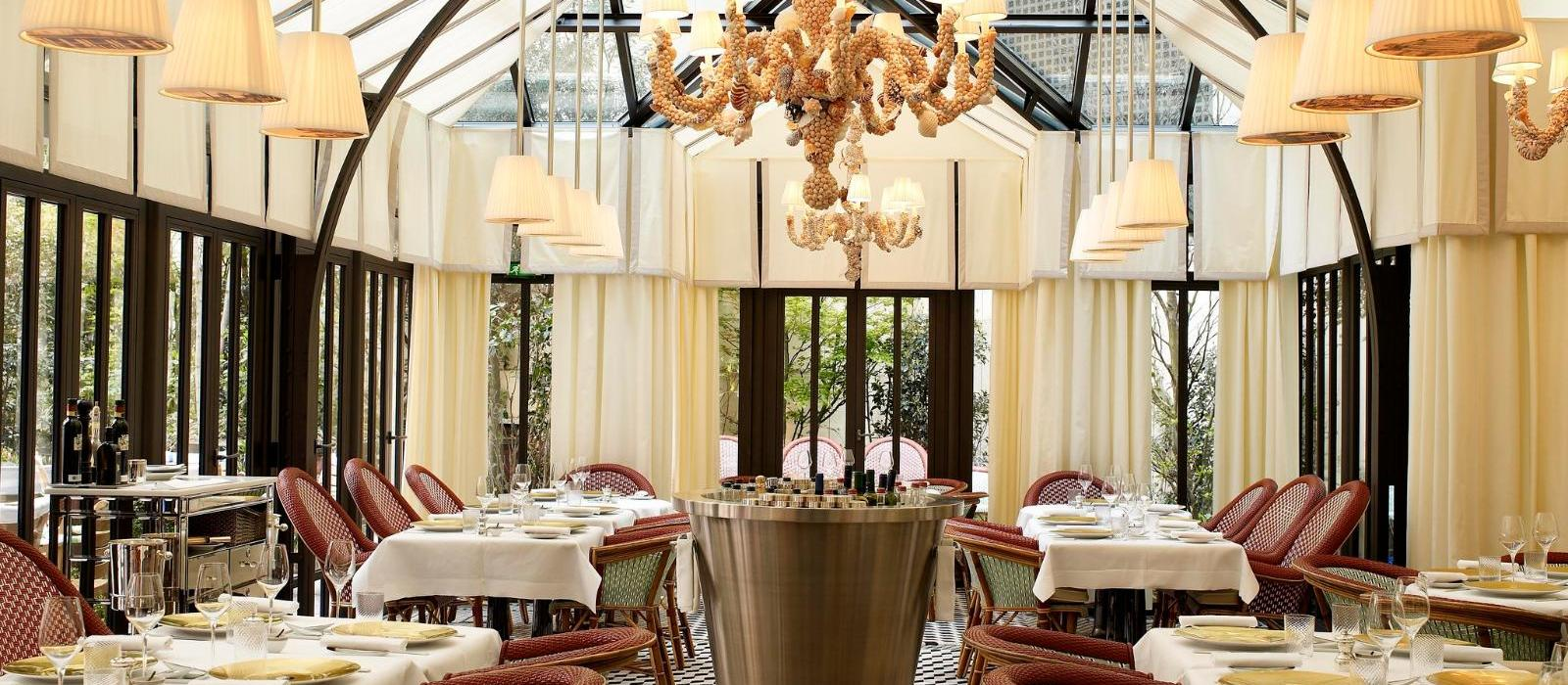 巴黎莱福士皇家梦索酒店(Le Royal Monceau – Raffles Paris) Il Carpaccio餐厅图片  www.lhw.cn