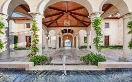凯普维梅大酒店(Cap Vermell Grand Hotel)  www.lhw.cn