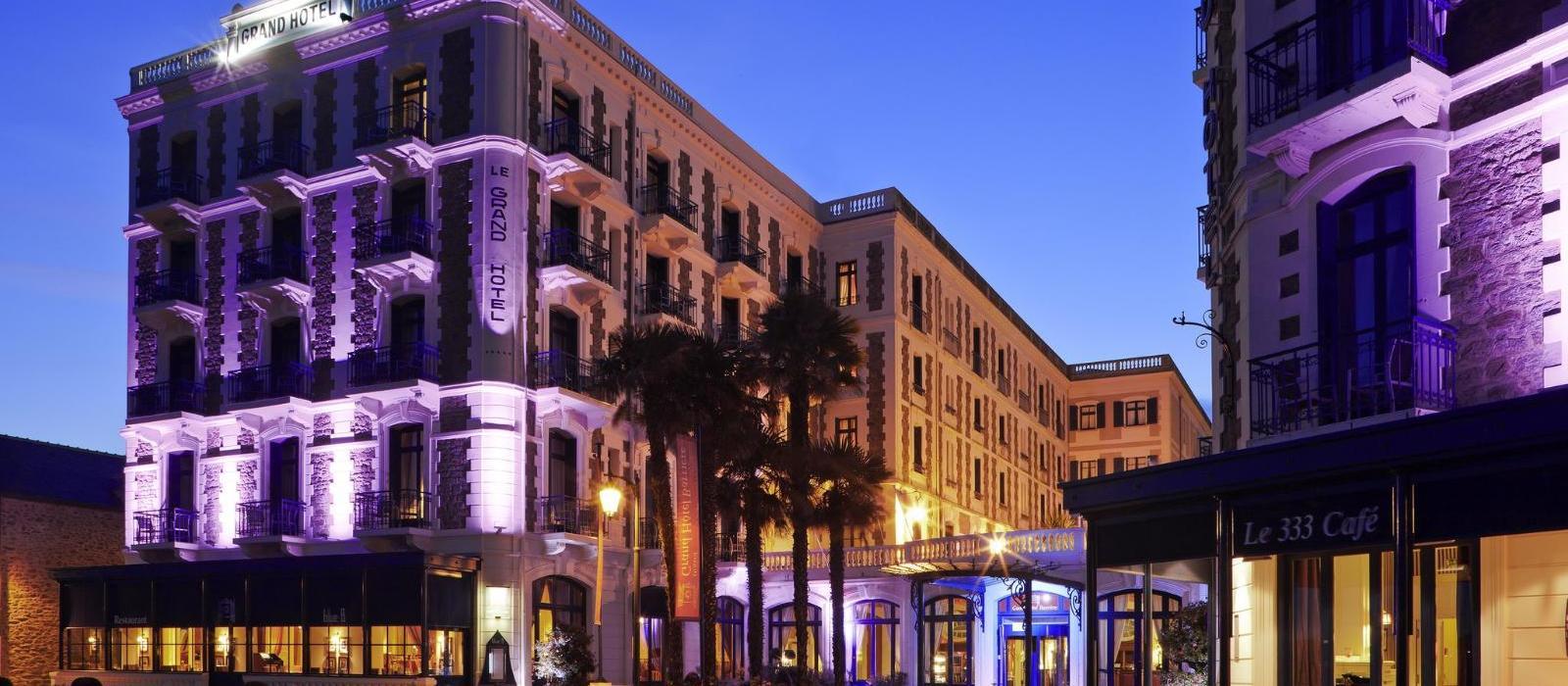 巴里耶尔迪纳尔大酒店(Grand Hotel Barriere) 图片  www.lhw.cn