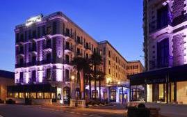 巴里耶尔迪纳尔大酒店(Grand Hotel Barriere)  www.lhw.cn